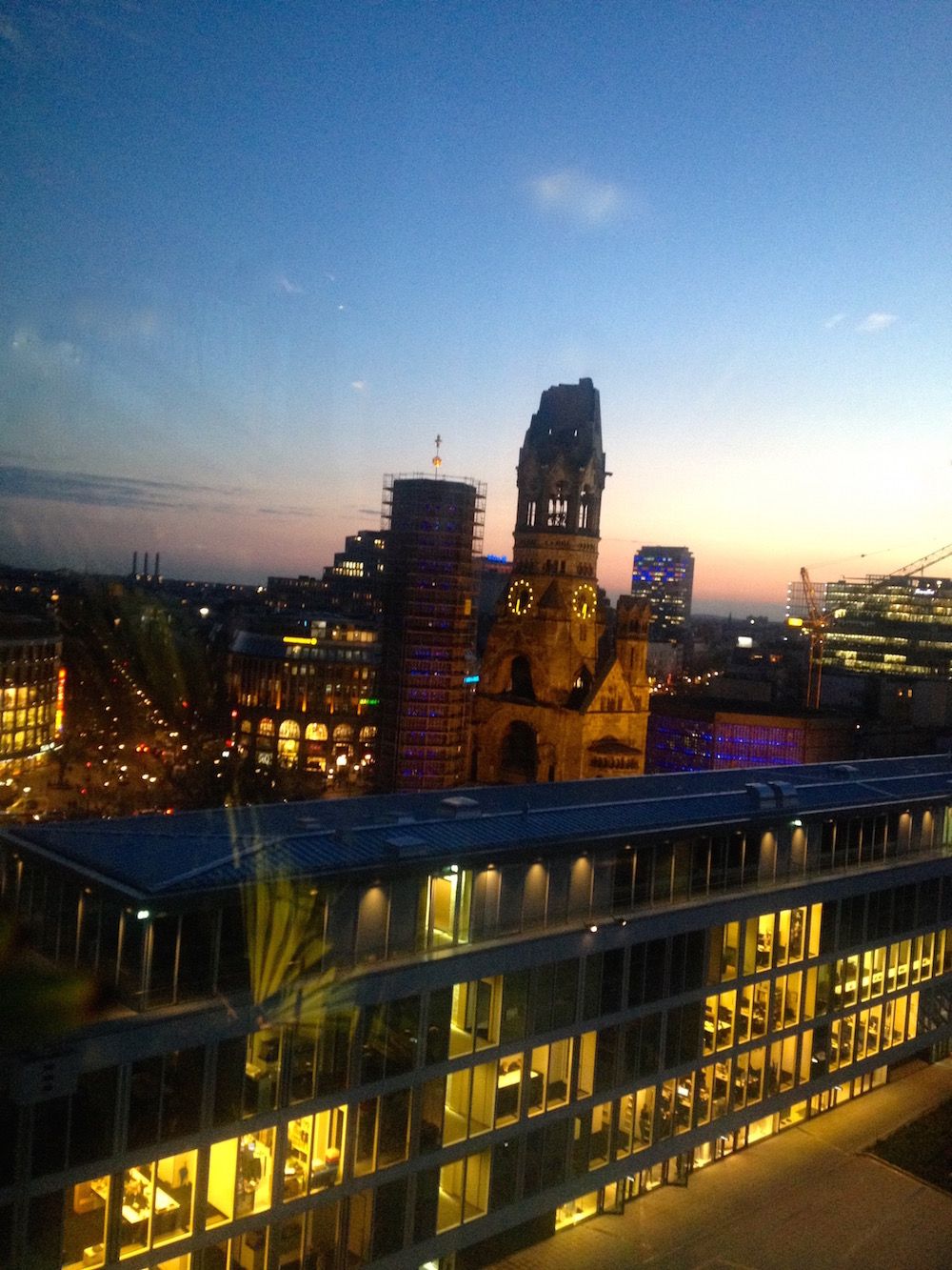 Sonnenuntergang über der City West
